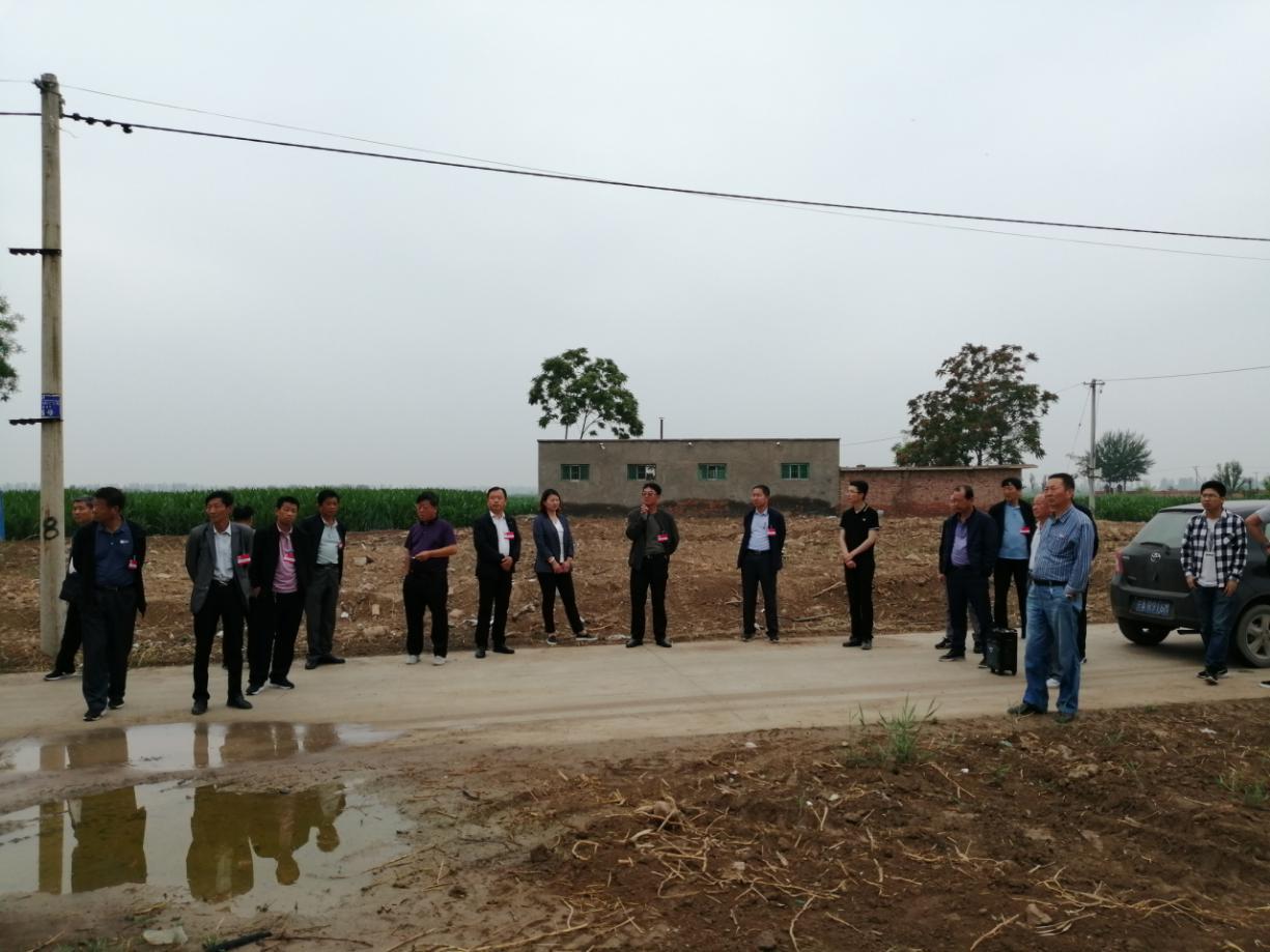 常信乡组织开展第2期人居环境整治及重点项目建设观摩